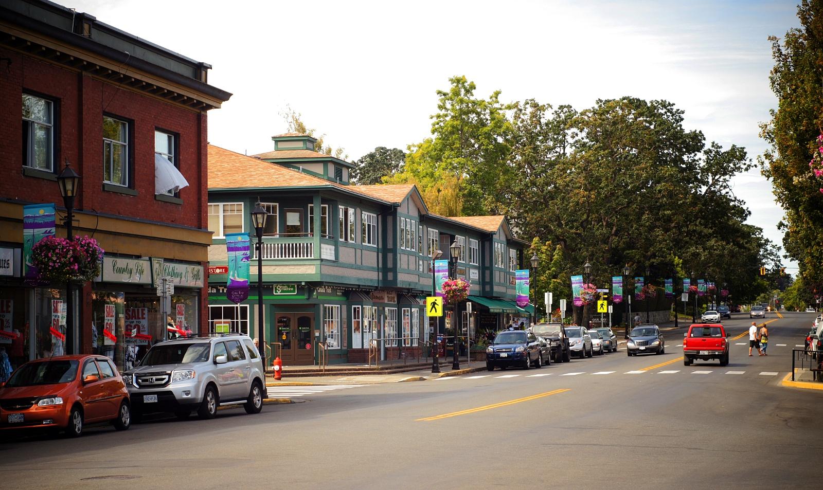 Oak Bay Ave Business District