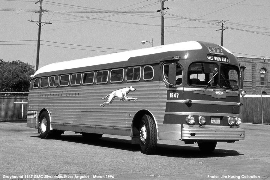 1940s Greyhound Bus
