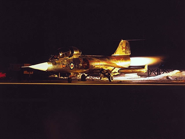Night test of CF-104 Engine