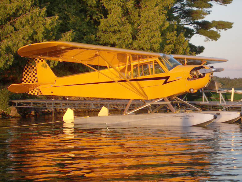 Piper J3 on floats
